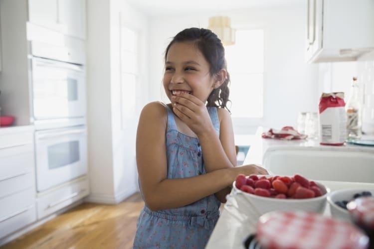 Frische Himbeeren bleiben im Safeloc® Obst- und Gemüsebeutel frisch für Kinder.