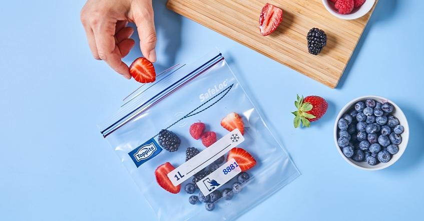 SafeLoc® Gefrierbeutel sind perfekt zum Einfrieren von frischen Beeren: platzsparend und sicher