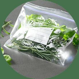 Ziploc® Gefrierbeutel mit Salat